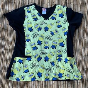 DESPICABLE ME SCRUB TOP SZ L